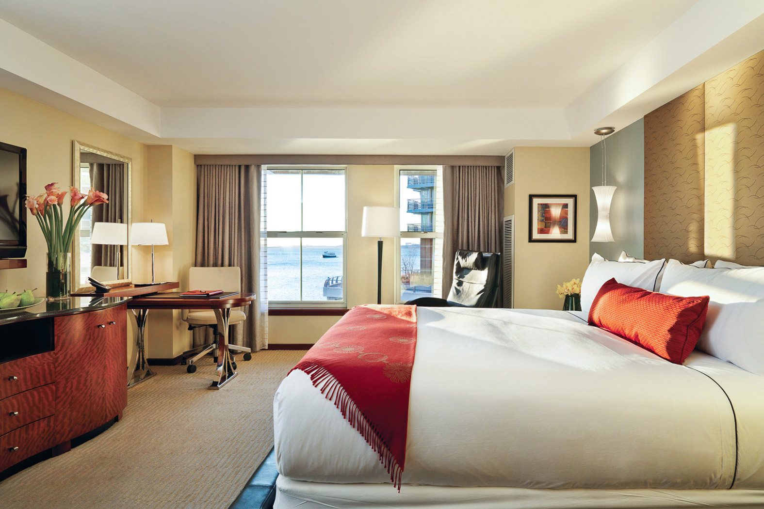 Premier Waterview Guestrooms
