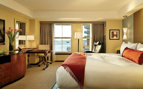 4-BatteryWharf-Hotel-Boston-AccommodationGallery-56e6e8e5bbe0d.jpg