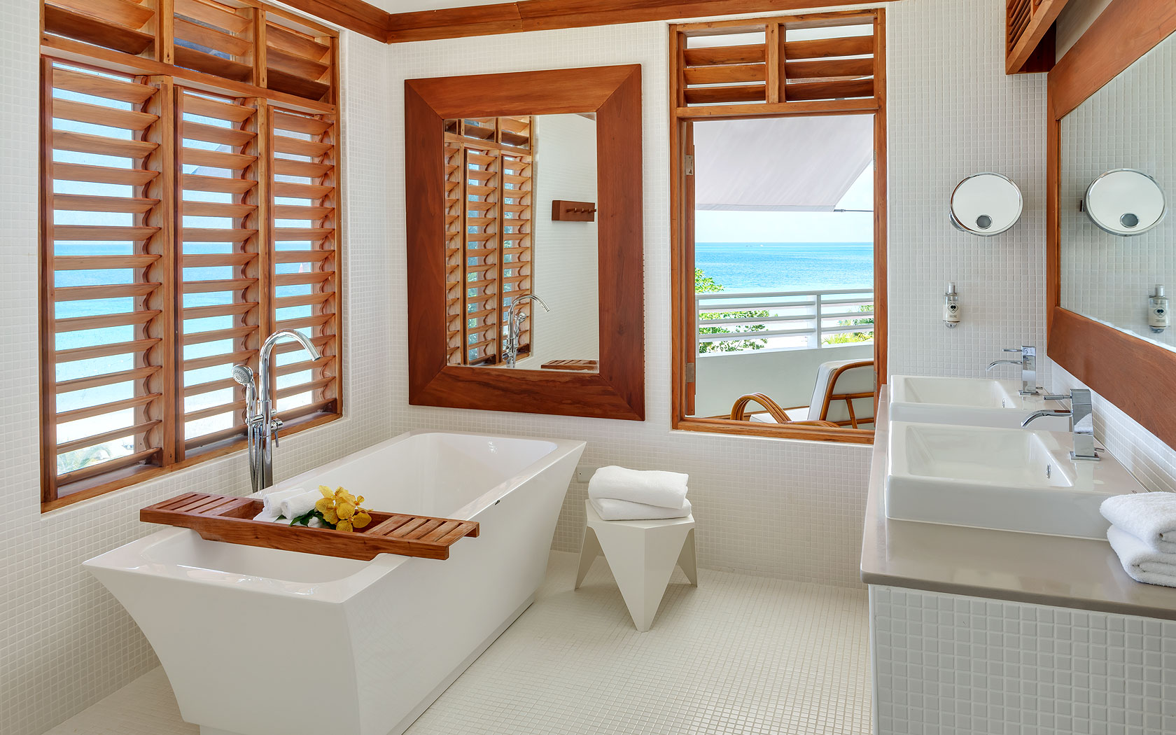 Our Great House Ocean suite bathroom