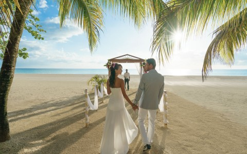 "Say ""I Do"" in Paradise"