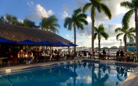 Miami Beach Waterfront Restaurants