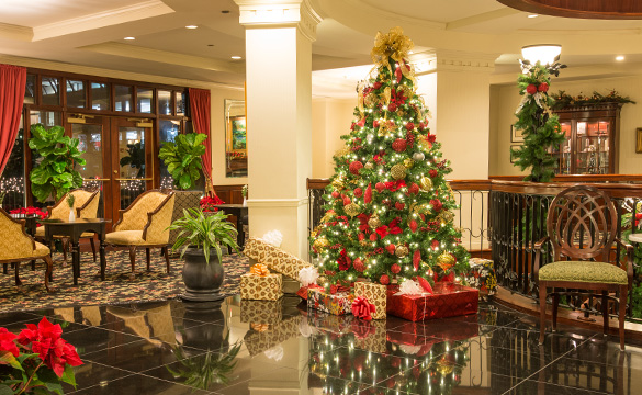 Heighten Your Holidays at Charleston's French Quarter Inn