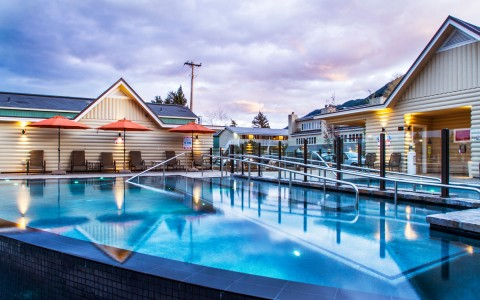 jackson-hole-lodge-pool-at-night-56f1cc5016d5e.jpg