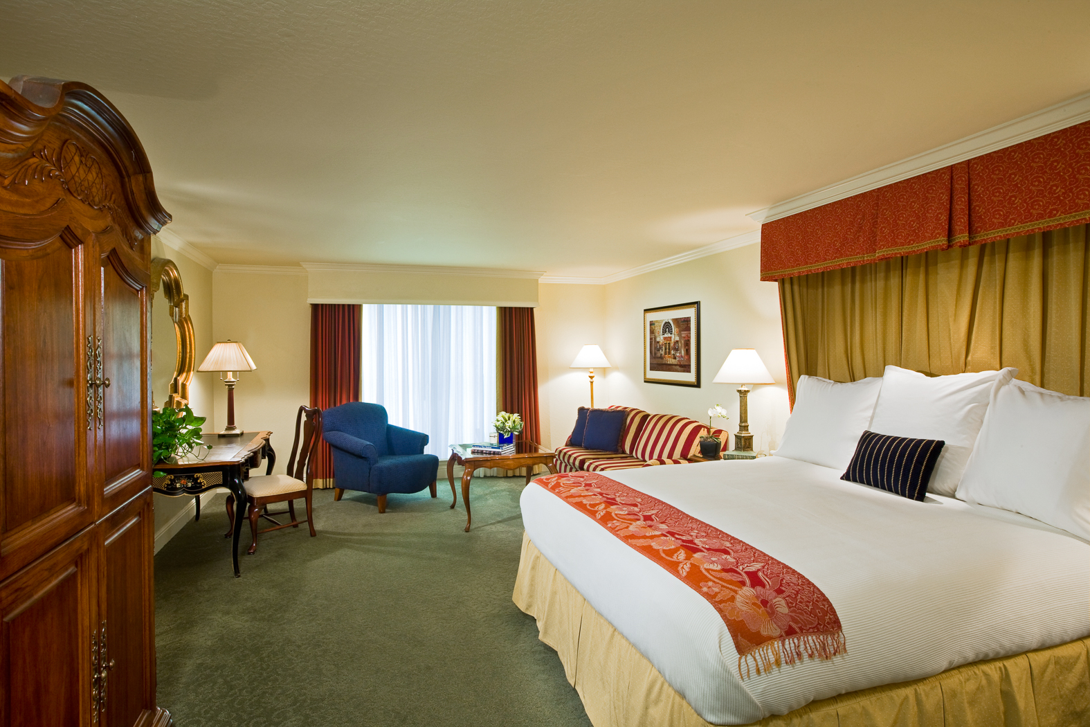 Rooms suites hotel rooms near walnut creek lafayette for 13 salon walnut creek