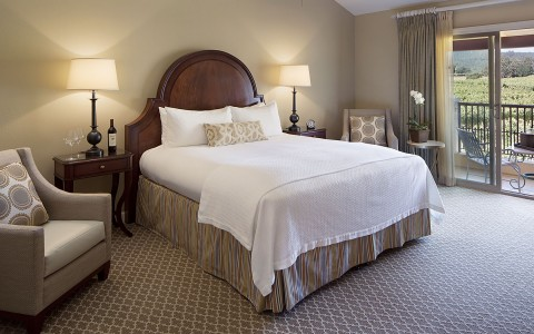 NapaValley-King-Room-58f8004c8f778.jpg