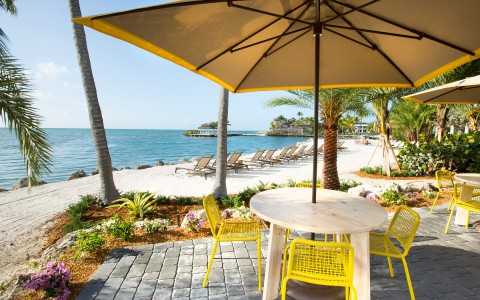9-PelicanCove-Outdoor-Dining.jpg