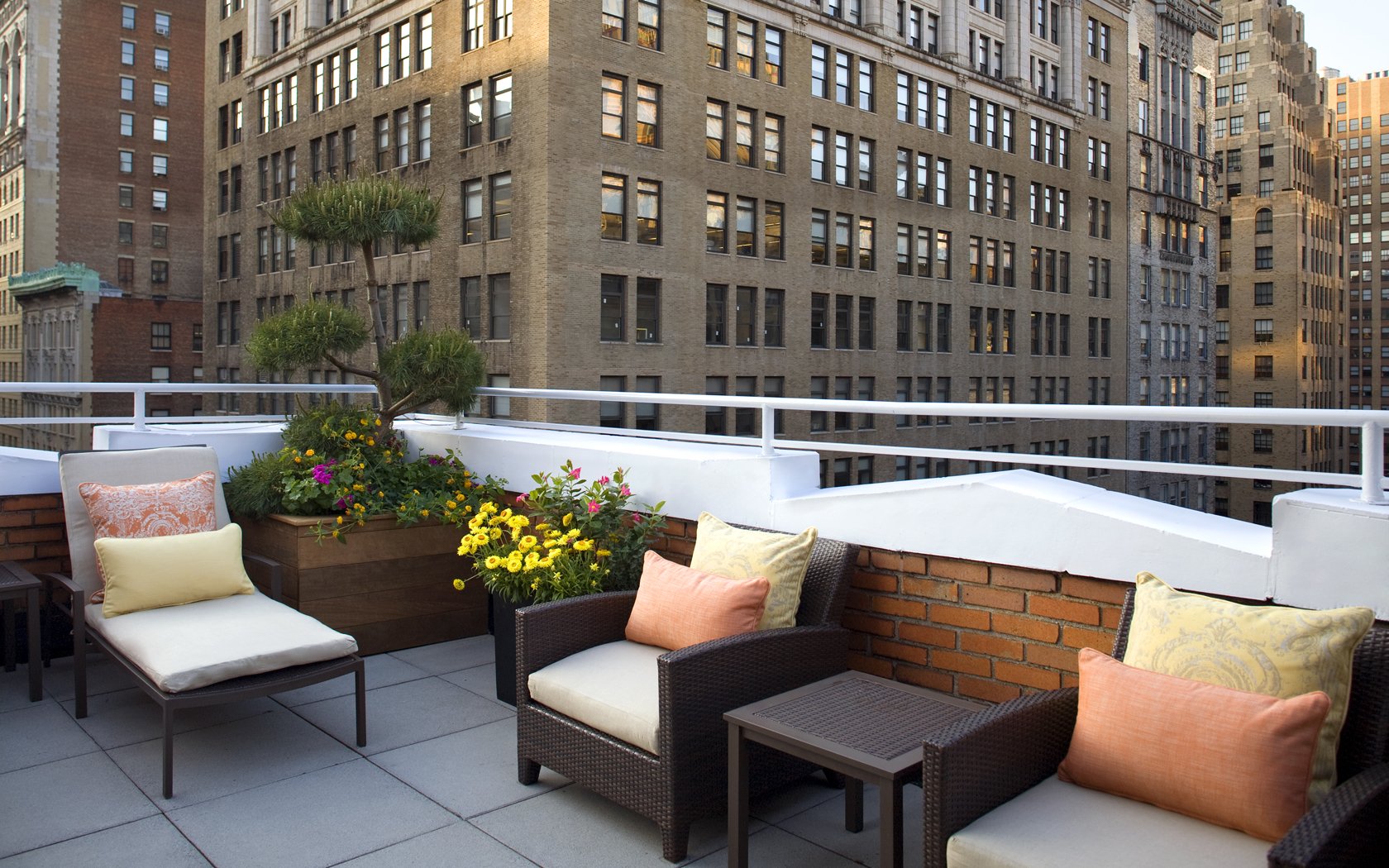 Flatiron nyc hotel new york city accommodations roger for New york balcony