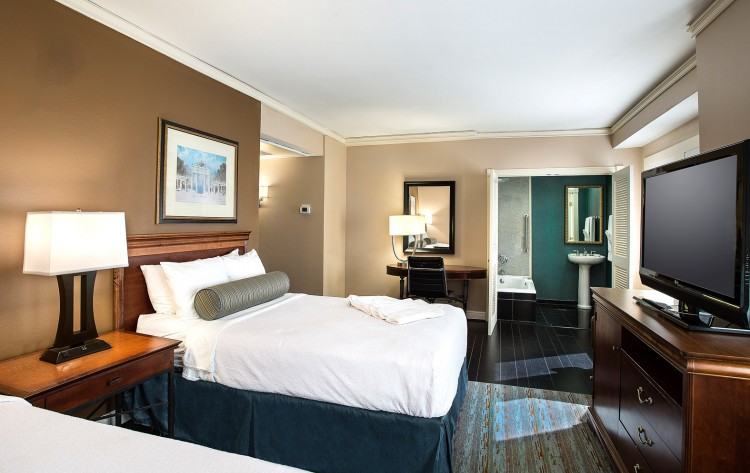 Deluxe King or Double Guestroom 1