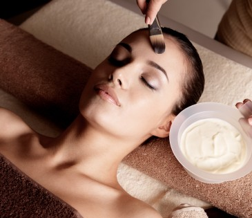 Detoxifying Papaya Facial