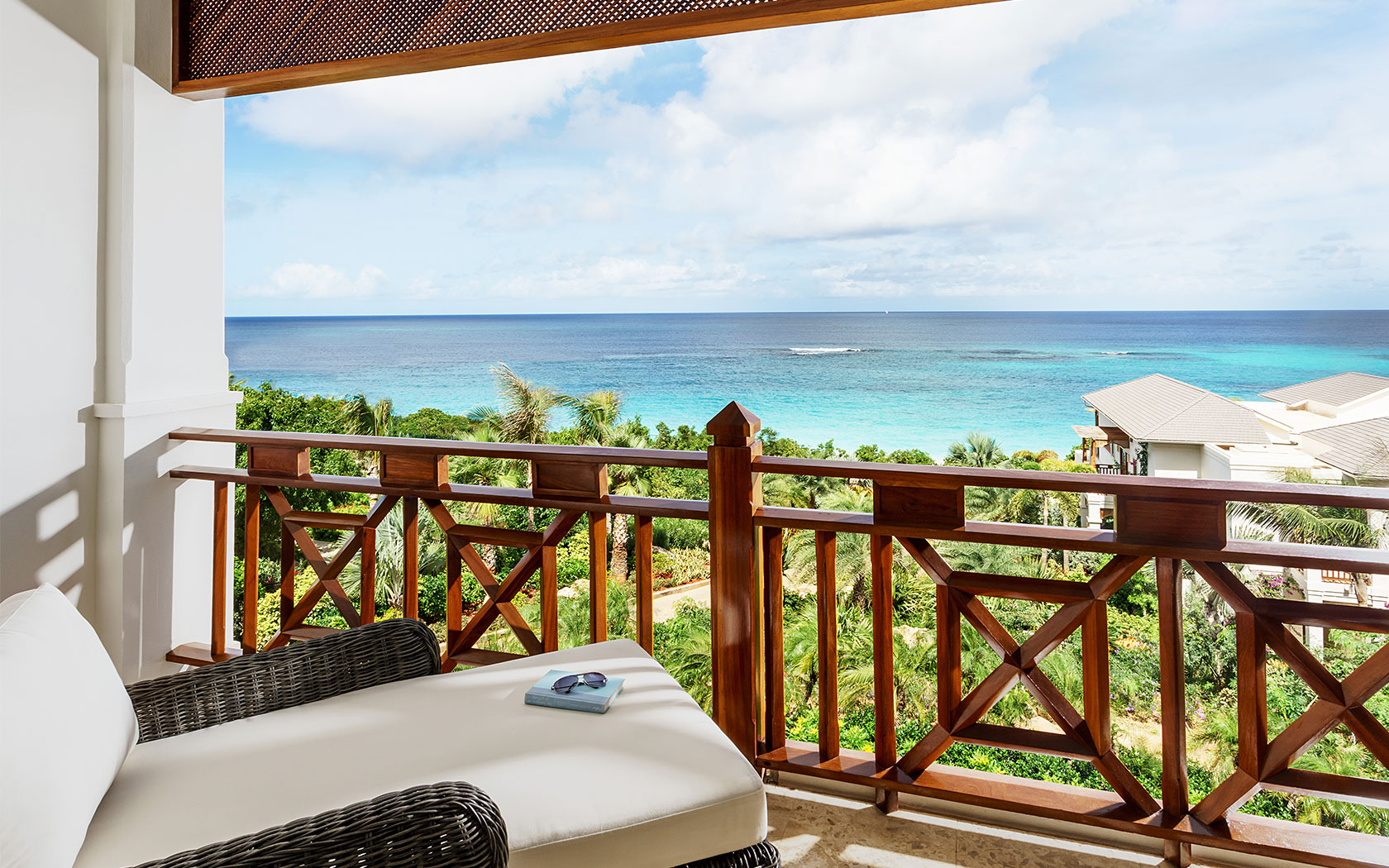 Rooms zemi beach house resort spa anguilla for Beach house view